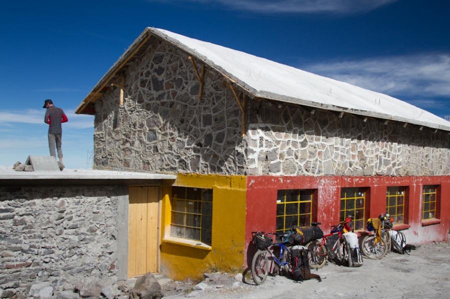 Alpine hut at 14k
